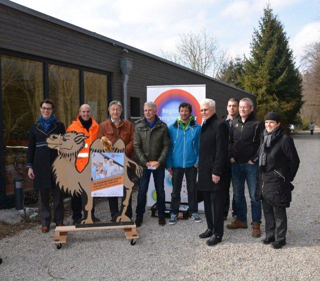 Grossansicht in neuem Fenster: Energiekarawane Schwabmünchen - 2015 - Gruppenfoto