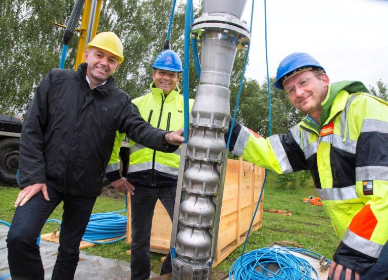 Grossansicht in neuem Fenster: Pressefoto - LEW-Energiesparprämie  - Brunnenpumpe Wasserwerk